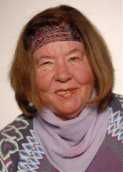Renate Rave-Schneider veranstaltet am  18. Jubi das Jubiläumsfest anlässlich von zwanzig Jahren Poetry-Parties
