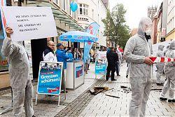 """Kunstperformance """"Tatort Rassismus"""" der Gruppe """"Keine Stimme der AfD"""""""