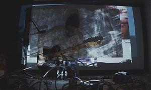 Julius Ménard erkundet die Klangwelten der Gitarre
