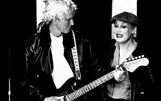 Martin Degner und Kati Homburg erinnern an die Swinging Sixties. (Foto: Klaus Blödow)