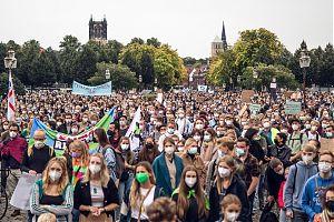 """Die Kundgebung zum Globalen Klimastreik von """"Fridays for Future"""" am 24.9."""