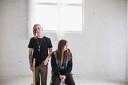 Das feministische Punkrock-Duo Mobina Galore