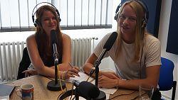 Nele Davids und Coraghessan Steinbach präsentieren die Sendung der BSV Münste