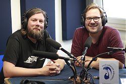 Albert Ruppelt aka DJ Atwashere (Trust in Wax) links und Moderator Dennis Welpelo (Foto: Mario Cullmann)