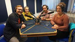 Im Studio v.l.n.r.: Dennis Welpelo, Lisa Schlosser, David Gruschka, Theresa Potente.