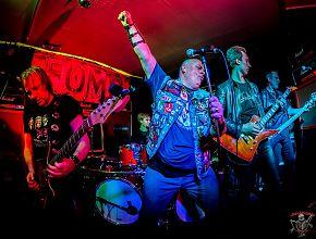Die münsteraner True Metal Band FOMP live (Foto: jubelschuppen.de)