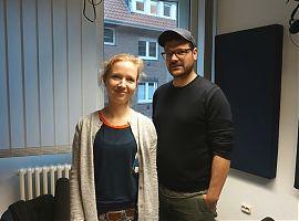 Dramaturgin Barbara Bily und Regisseur Ronny Jakubaschk (Foto: Hanna Wiedenhaus)
