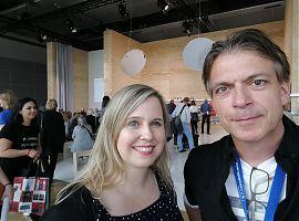 """Im Gespräch mit Volker Stephan: """"I did it Norway""""-Autorin Alva Gehrmann. (Foto: Volker Stephan)"""