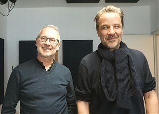 Schauspieldirektor Frank Behnke mit Hubertus Hartmann, der in MEIN VATER UND SEINE SCHATTEN den Vater spielt (Foto: Ezgi Keskin)