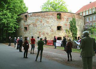 In diesem Jahr fand die Gedenkfeier zum 8.Mai unter Wahrung der Distanz statt. (Foto:  Jan Große Nobis)