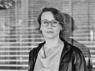 """Mit """"Die Schule am Meer"""" oben auf der Bestsellerliste: Sandra Lüpkes. (Foto: Sarah Koska)"""