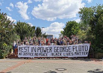 Bei der Anti-AfD-Demo in MS-Hiltrup wurde auch George Floyd gedacht. (Foto: Bündnis Keinen Mete den Nazis)