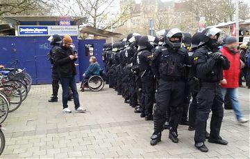 In den Uniformen sollten keine Rechtsextreme stecken. (Symbolbild: Jörg Siegert)